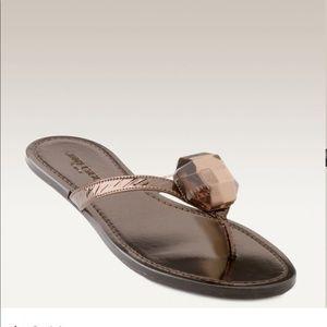 JIMMY CHOO Metallic leather flip-flops
